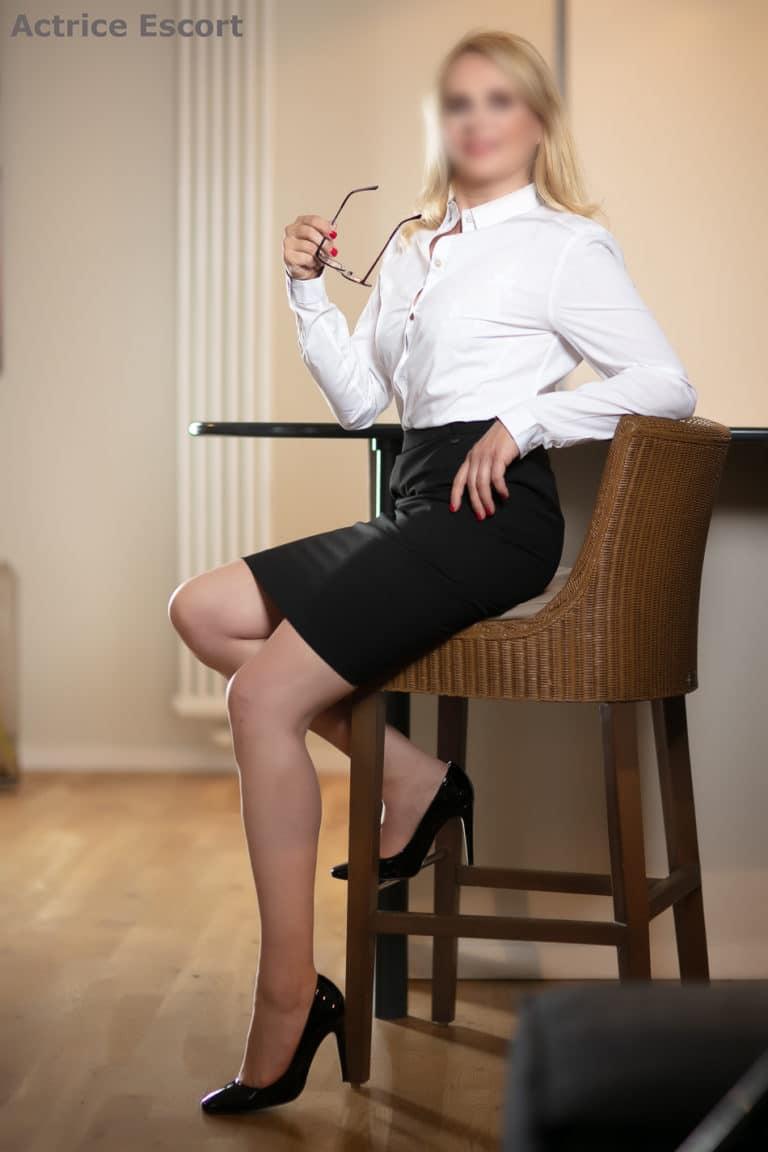 Claire-Escortservice-Berlin Sekretärinnen Style